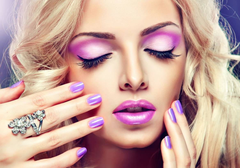 Model-Makeup-Face-Shadows-Palm1-1.jpg
